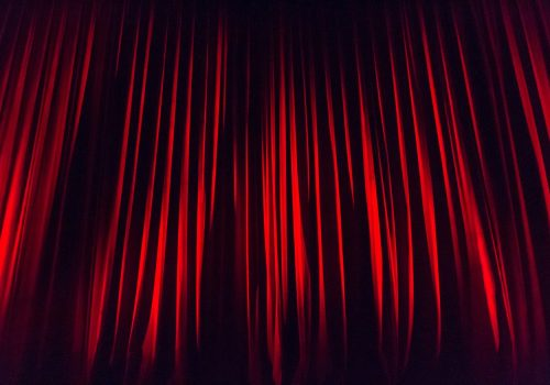 stage-curtain-660078_1920